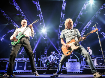 Status Quo Hospitality Tickets